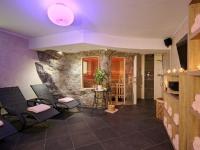 kunstfelsen-hotels-ferienparadies-alpengluehn-2