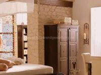 Kunststeinpaneele Florina als Steinwand im Wohnzimmer