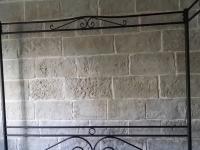 Kunststeinpaneele Mostar - Steinwand im Schlafzimmer