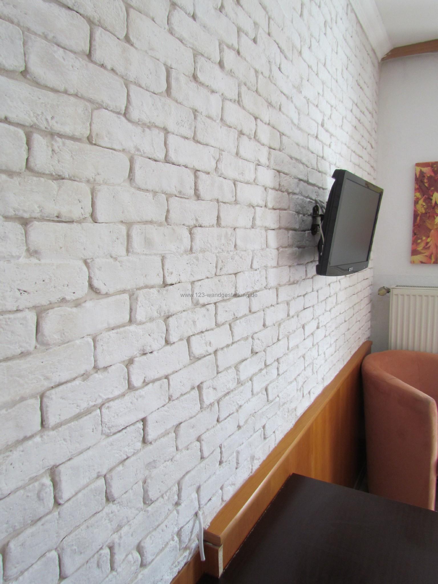 wandgestaltung in der optik einer ziegelwand in der farbe weiss. Black Bedroom Furniture Sets. Home Design Ideas