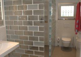 Glaswände als Duschabtrennung im Badezimmer