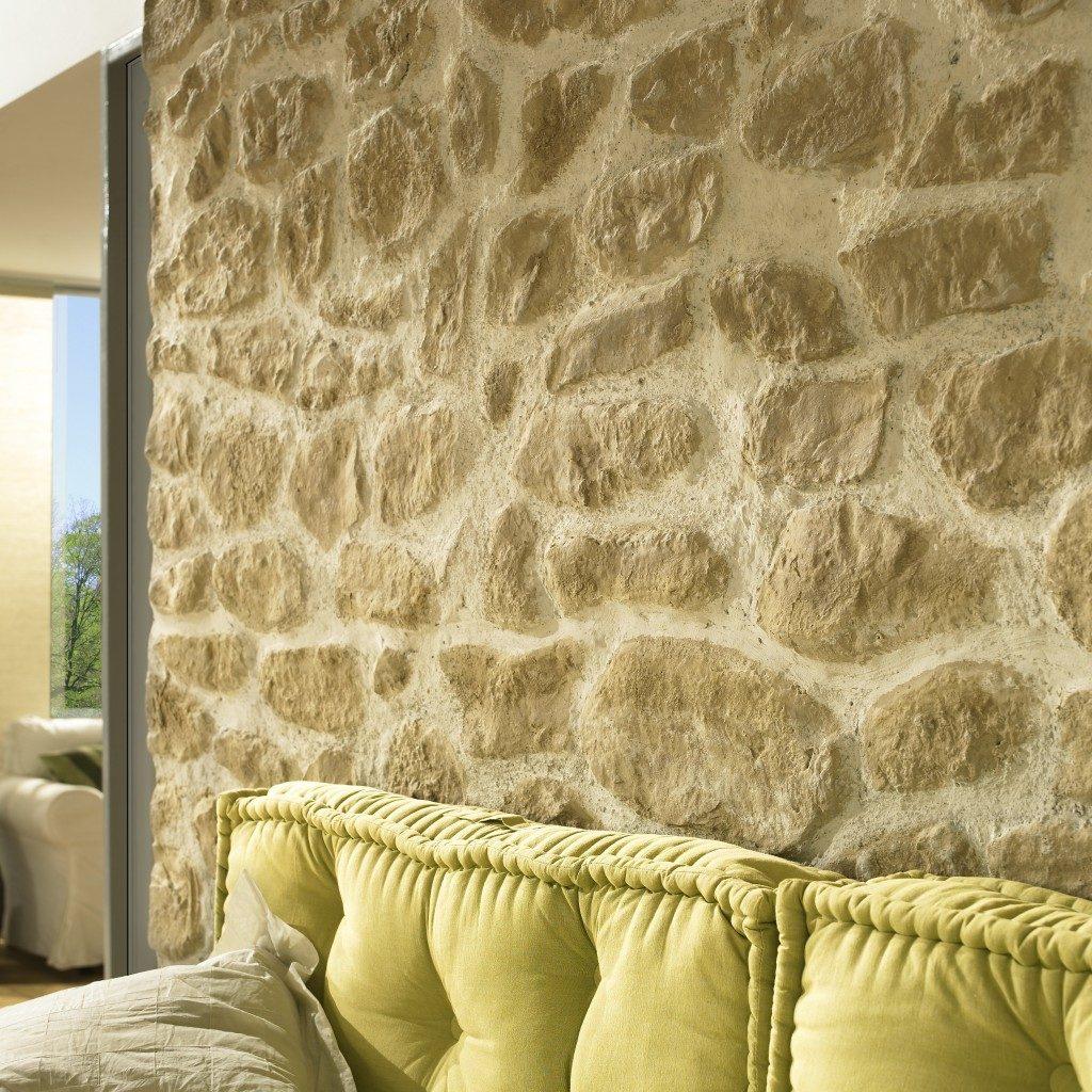 Steinwände als Wandgestaltung realisiert mit der Kunststeinpaneele