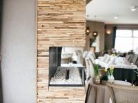 holzwaende-teakholz-skin-small-restaurant (4)