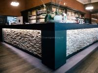 holzwand-wandgestaltung-skin-small-cafe (2)