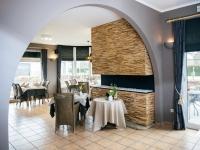 teakyourwall-holzpaneele-skin-small-restaurant (2)