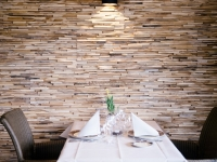 teakyourwall-holzpaneele-skin-small-restaurant (8)