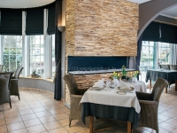 teakyourwall-holzpaneele-skin-small-restaurant (1)