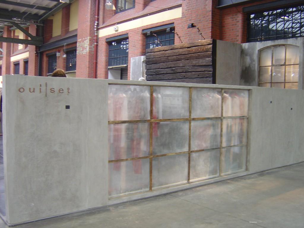 Wandgestaltung Beton puristische kunststeinpaneele in betonoptik mit holzmaserung