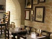 Kunststeinpaneele Florina als Steinwand im Restaurant