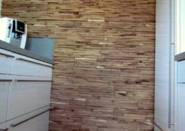Eine aussergewöhnliche Wandverkleidung mit der Holzpaneele Cuts in der Küche