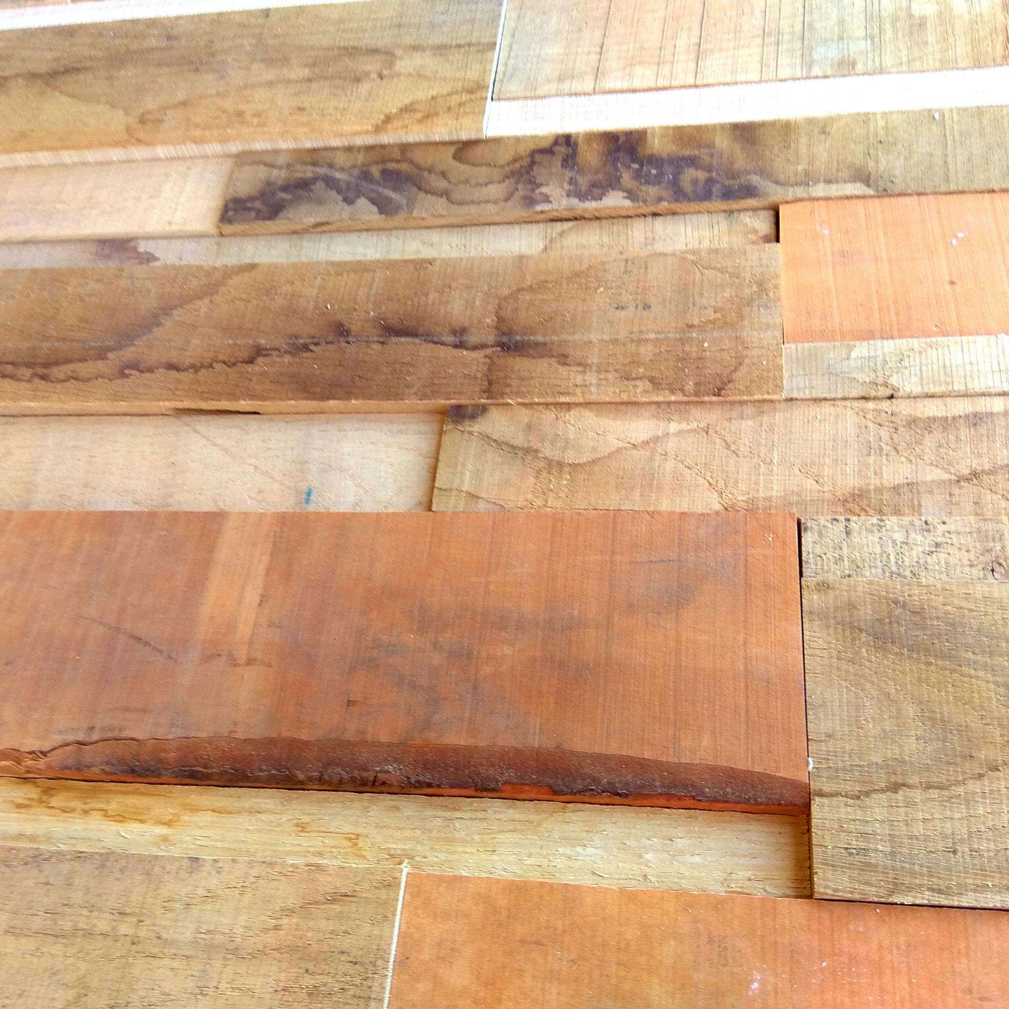 Holzpaneele Karma Details