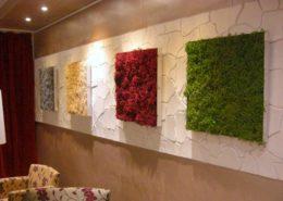 Kreative Wandgestaltung mit Moosbildern aus Curly Moos und der Kunststeinpaneele Desert